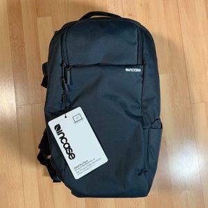 Incase Designs DSLR Pro Pack Camera Backpack Navy